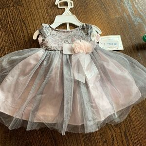 NWT Baby Girl dress with undergarment size 3-6 m